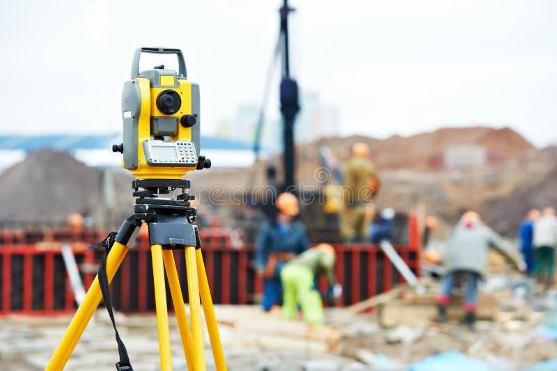 测量员设备经纬仪在 免版税库存图片