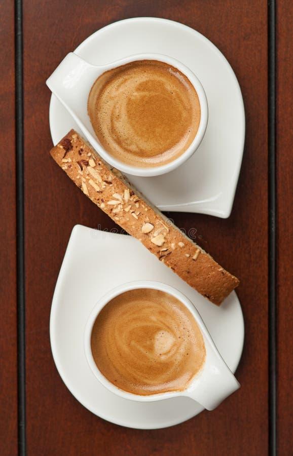 浓咖啡和Biscotti 免版税库存图片