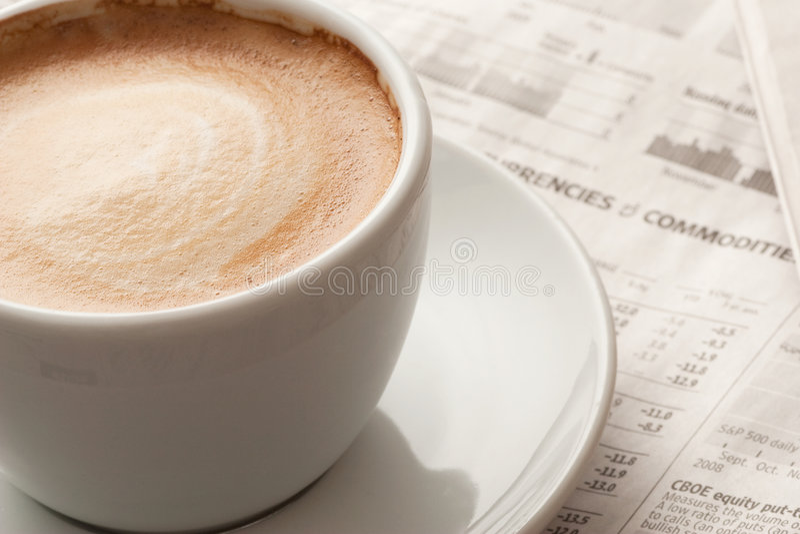 浓咖啡新闻纸张 免版税图库摄影