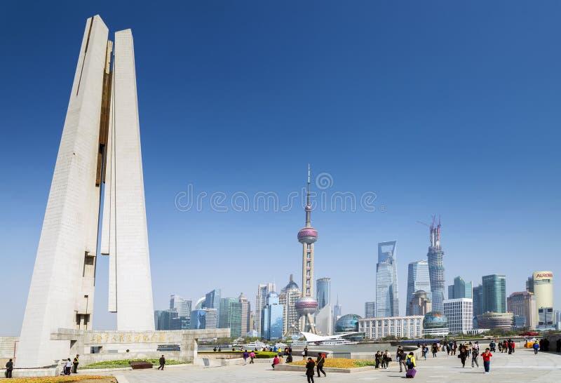 浦东地平线和纪念碑在上海瓷 免版税库存图片