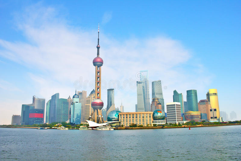 Download 浦东,上海,中国 库存图片. 图片 包括有 蓝色, 室外, 汉语, 全景, 地平线, 商业, 聚会所, 财务 - 30326551