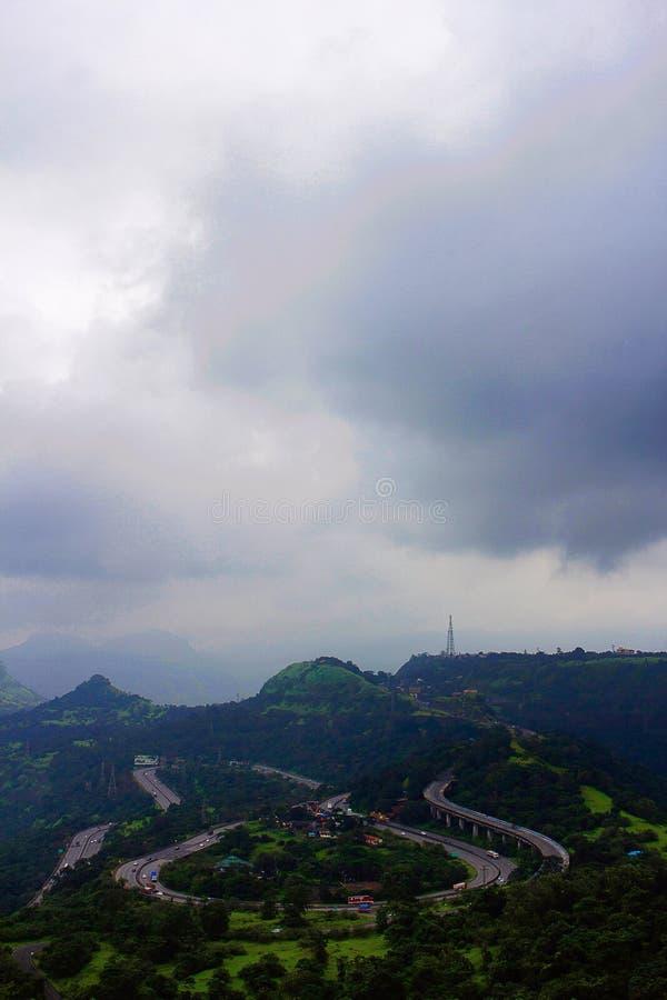浦那孟买明确高速公路,洛纳瓦拉, Maharshtra 免版税库存照片