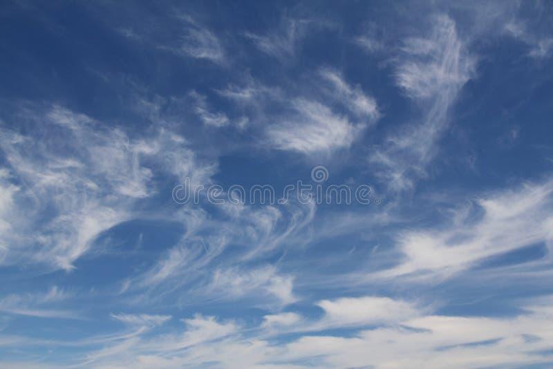 浩大的天空蔚蓝和云彩天空 免版税图库摄影