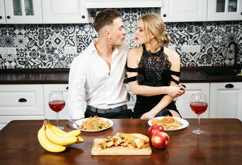 浪漫周年纪念正餐 库存照片
