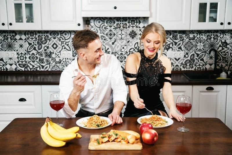 浪漫周年纪念正餐 库存图片