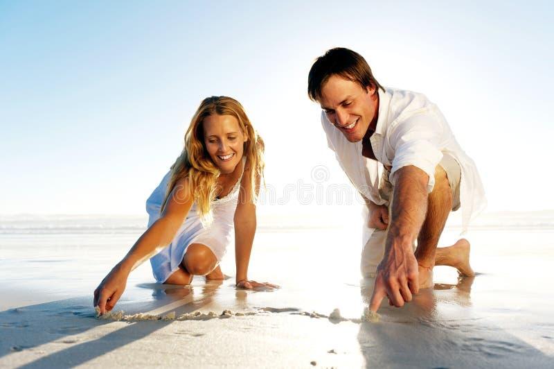 浪漫夫妇的重点 免版税图库摄影