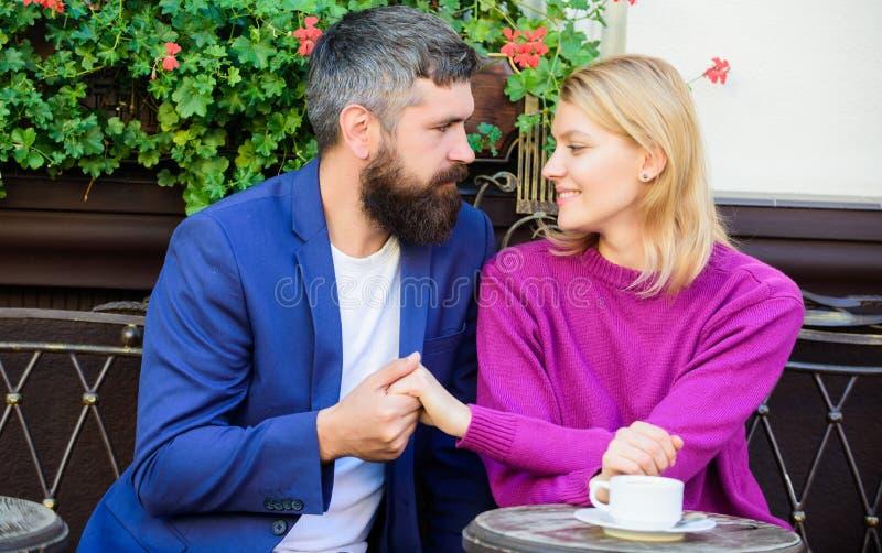 浪漫夫妇 o ?? 免版税库存图片