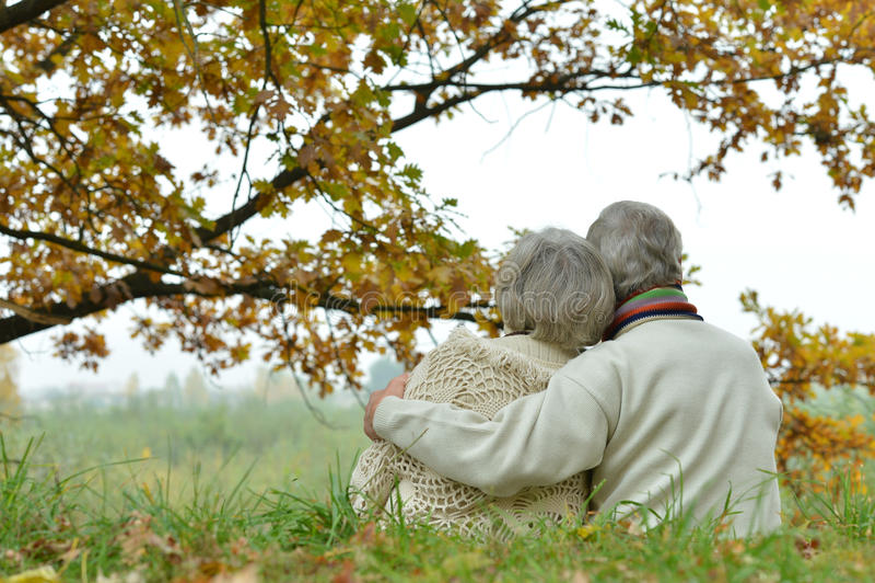 浪漫成熟夫妇 库存照片