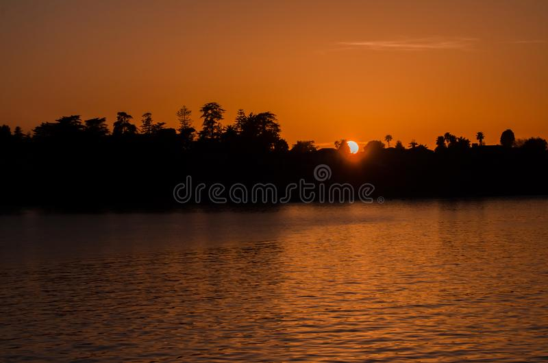浪漫日落在圣克鲁斯 免版税库存图片