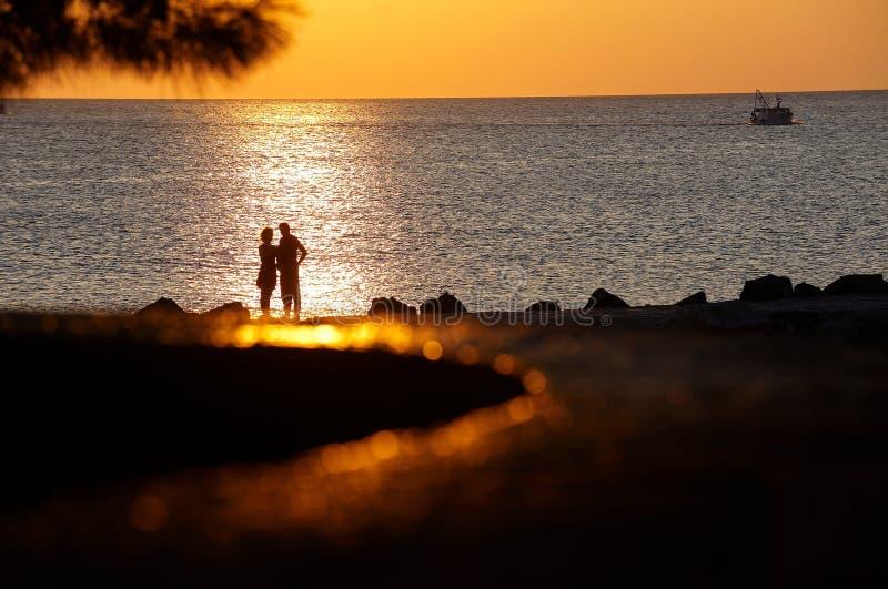 浪漫的夫妇 免版税图库摄影