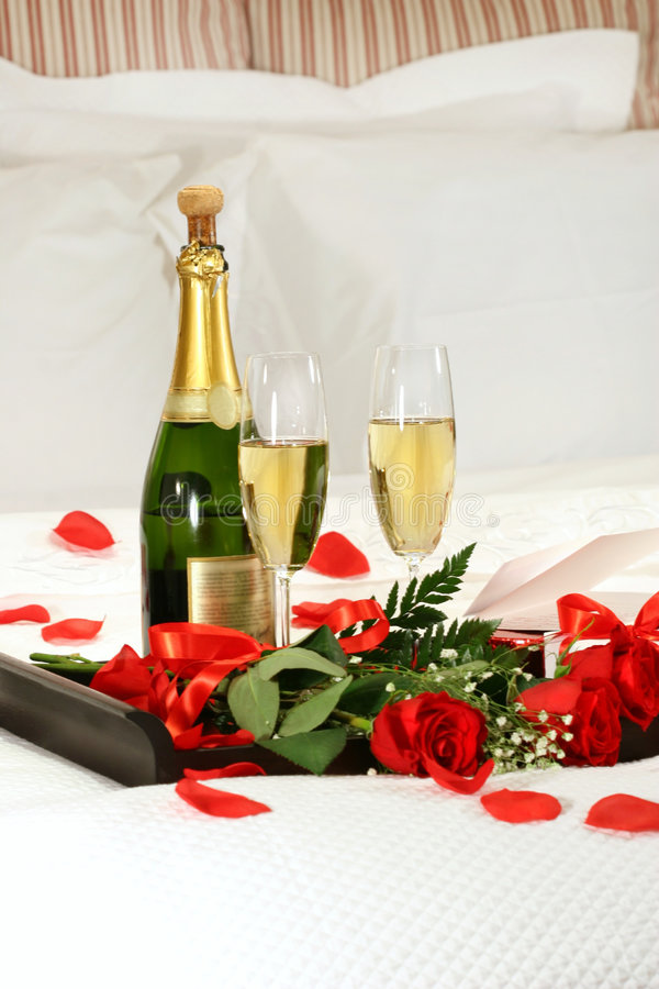 浪漫香槟的夜间