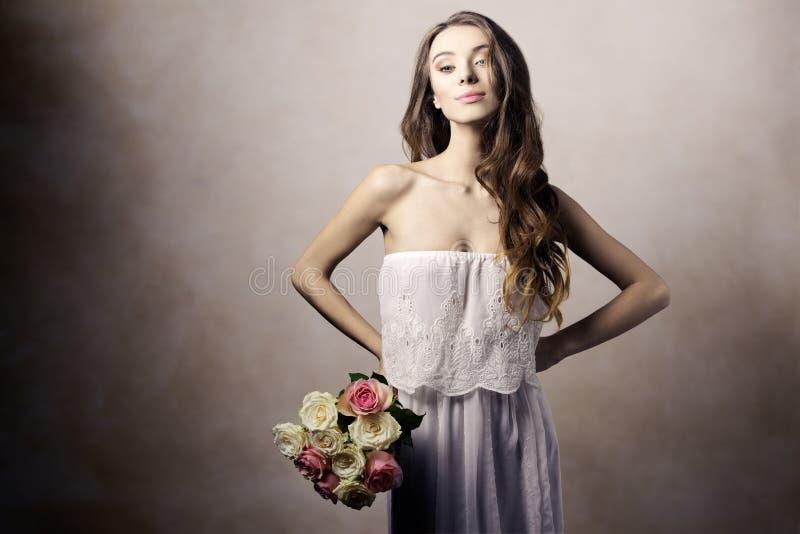 浪漫,白肤金发的女孩 免版税库存图片