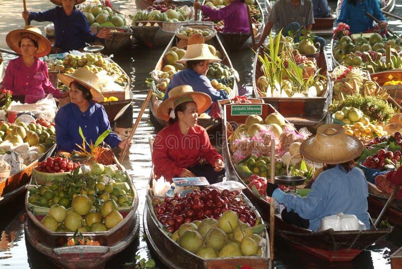 浮动市场在泰国。 免版税库存照片