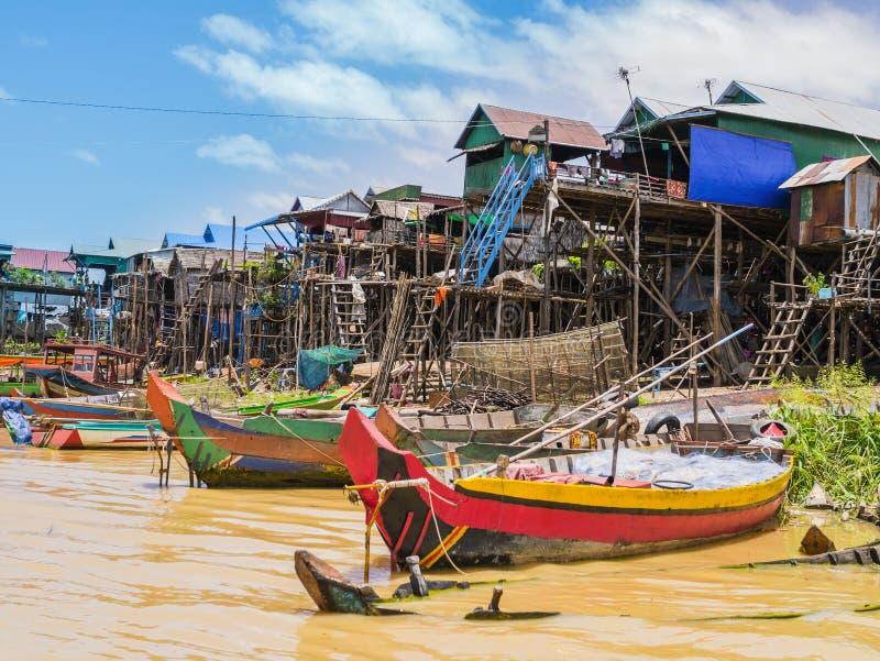 浮动村庄, Tonle Sap湖,暹粒省,柬埔寨 免版税库存照片