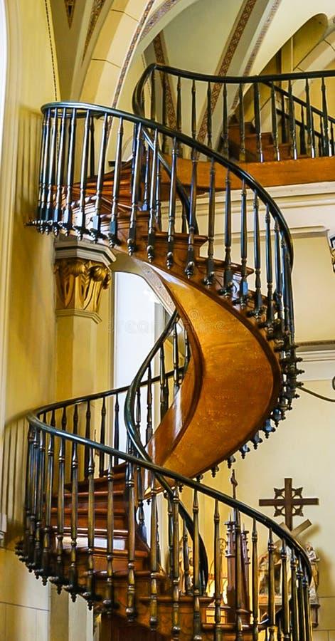 浮动楼梯在Loretto教堂里在圣菲,新墨西哥 库存图片