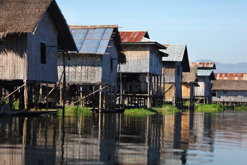浮动的房子缅甸高跷村庄 库存图片