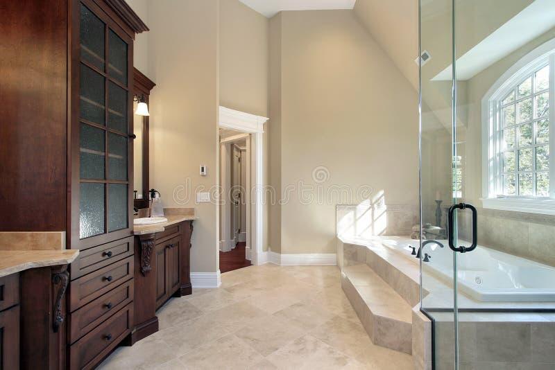 浴主要步骤木盆 库存照片
