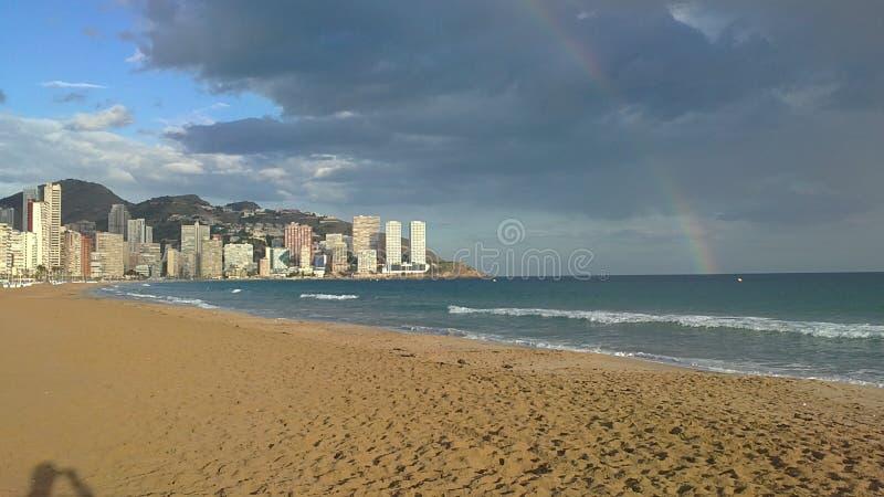 海、夏天、乐趣和沙子 免版税库存图片