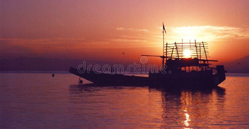 海上的日出 免版税库存照片