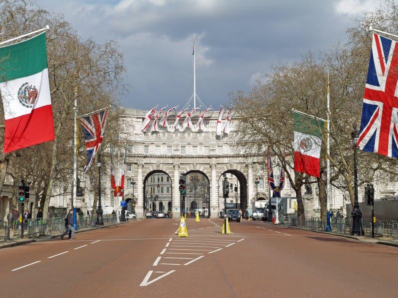 海军部曲拱伦敦 免版税图库摄影