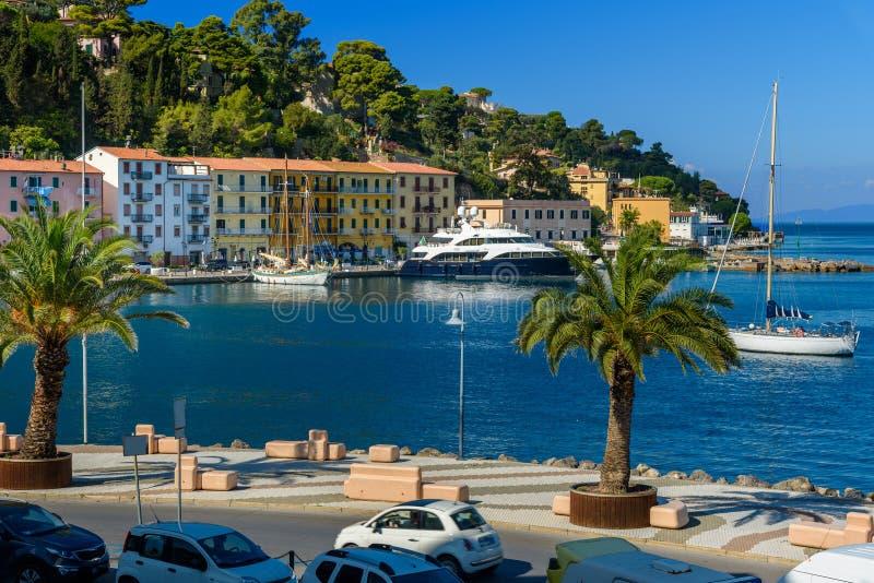 海口镇圣港斯特凡诺沿海岸区在蒙泰亚尔真塔廖 托斯卡纳 意大利 免版税库存图片