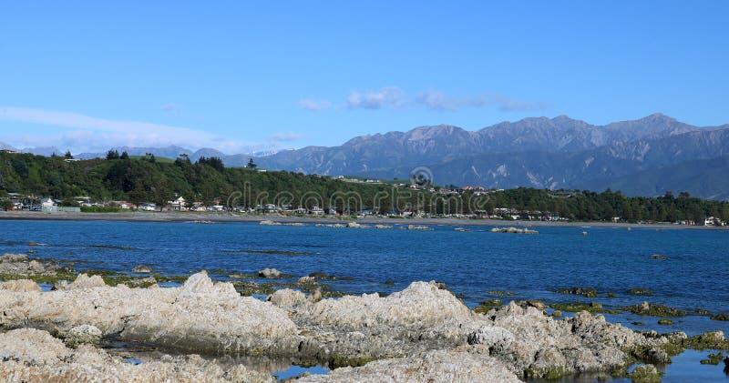 海和山Kaikoura新西兰全景  库存照片