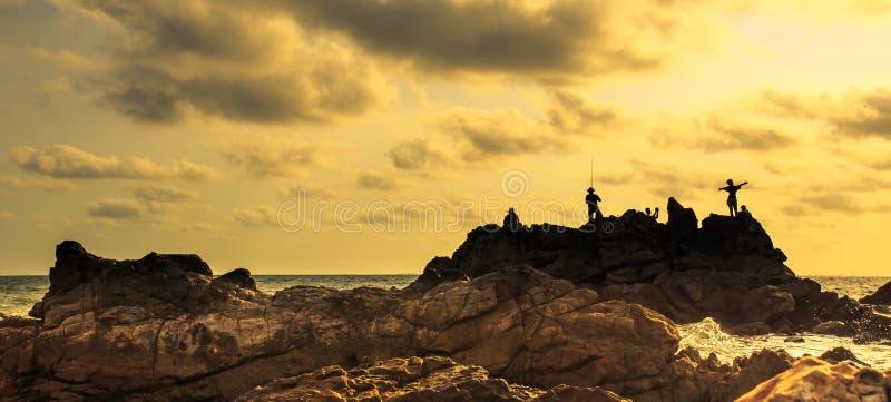 海和美好的日落 免版税库存图片