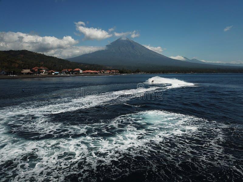 海和速度在巴厘岛海 库存图片