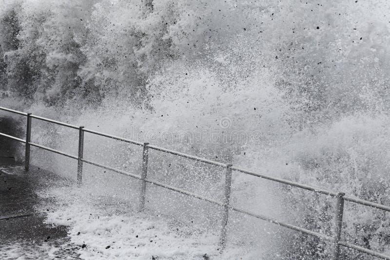 海啸波浪 库存照片