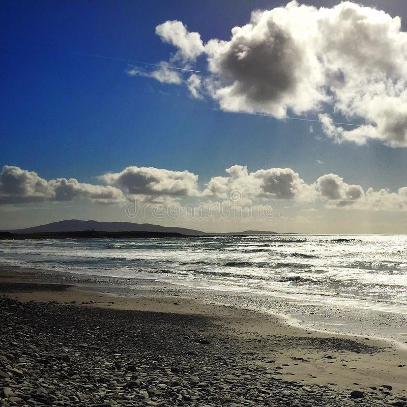 海大西洋沙子覆盖蓝色 库存图片