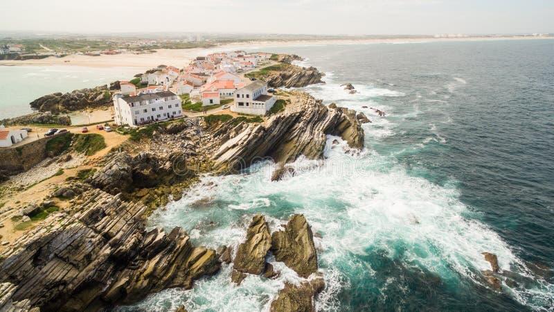 海岛在海洋的岸的Baleal naer Peniche葡萄牙的西海岸的 图库摄影