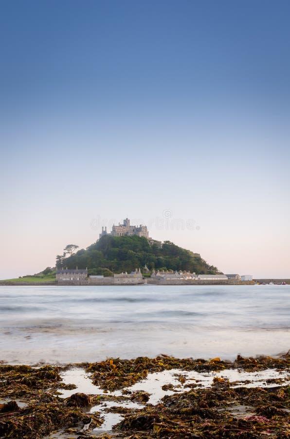 海岛城堡和海洋 免版税库存图片