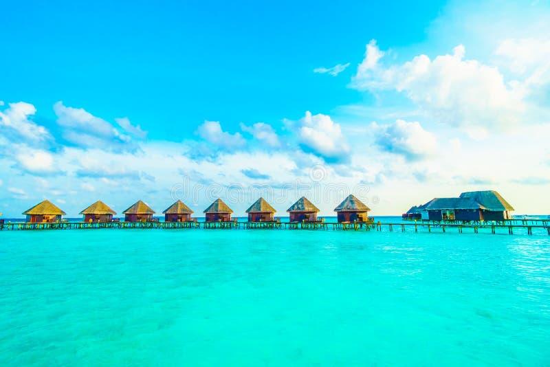 Download 海岛马尔代夫 库存照片. 图片 包括有 目的地, 手段, 晒裂, 夏天, 掌上型计算机, 海岛, 海岸线 - 72365736
