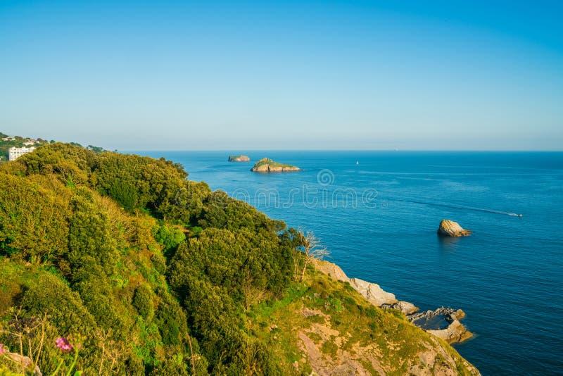 海岸和海看法在Torquay,南德文郡 免版税库存图片