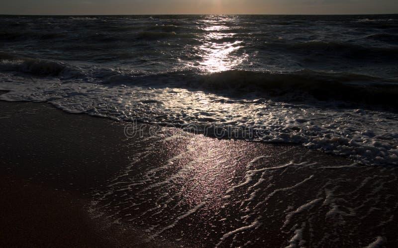 海岸月光晚上路径 图库摄影