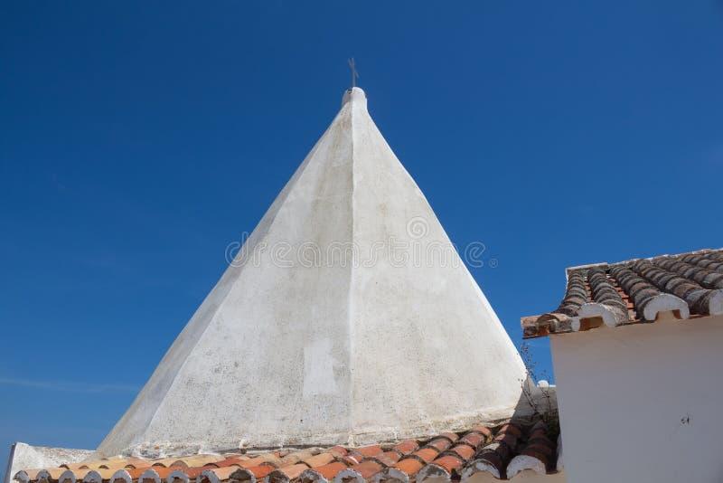 海岸的教会在阿尔加威,葡萄牙 库存图片