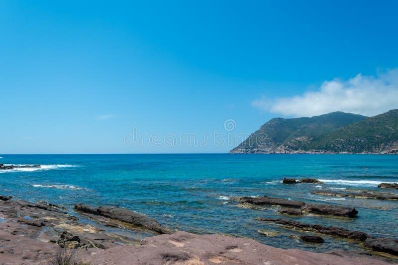 海岸的风景在波尔图耶老岛的海滩附近的 库存图片