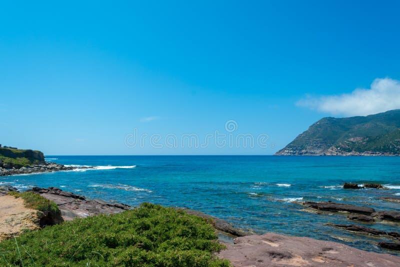 海岸的风景在波尔图耶老岛的海滩附近的 免版税库存照片
