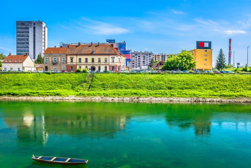 海岸线在卡尔洛瓦茨, Korana河 库存照片