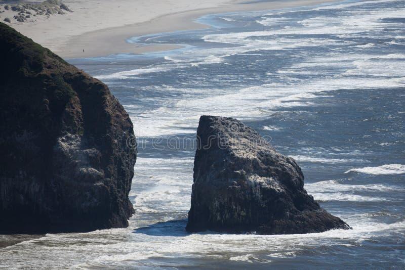 海岸线岩石的俄勒冈 免版税库存照片