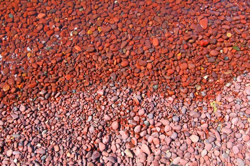 海岸线岩石苏必利尔湖畔 免版税库存照片