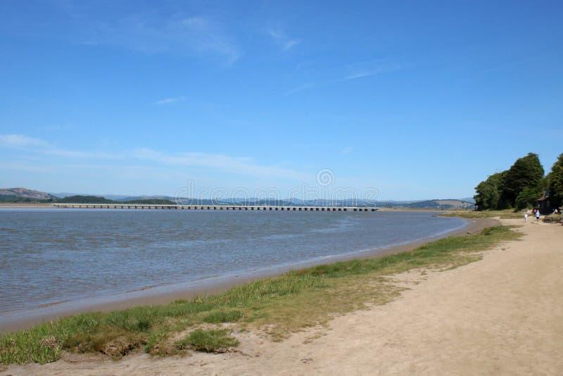 海岸线河肯特出海口, Arnside高架桥,英国 免版税库存照片