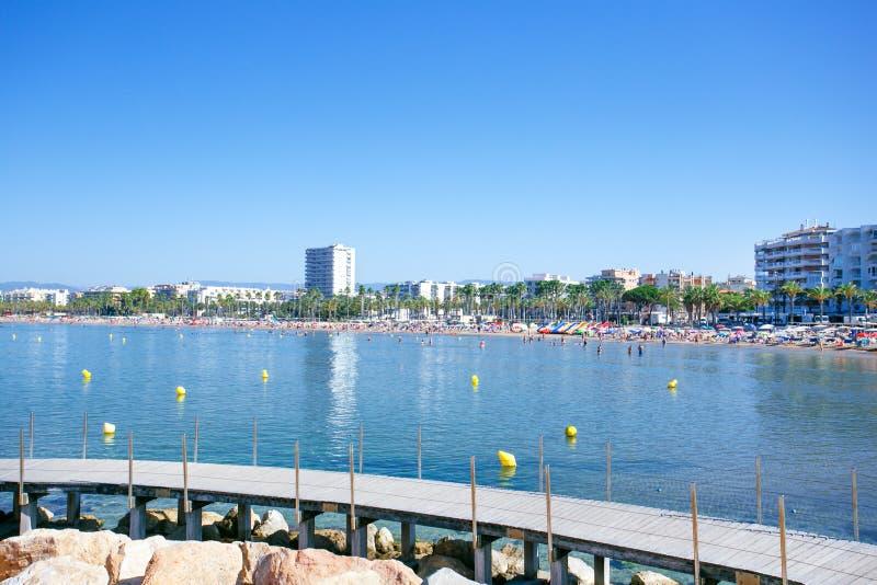 海岸线科斯塔Dorada,萨洛角,西班牙 萨洛角和它的主要海滩,Llevant海滩海岸线的一幅全景,在一个夏天da 免版税图库摄影