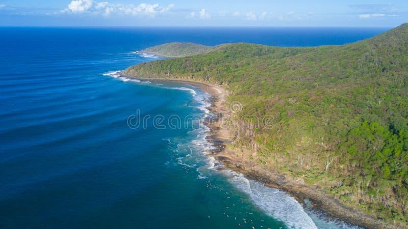 海岸线空中射击在Noosa附近的在阳光海岸 免版税库存照片