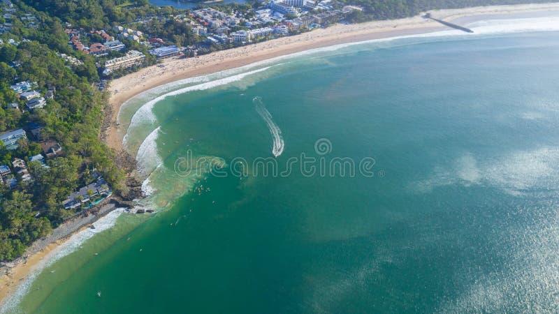 海岸线空中射击在Noosa附近的在阳光海岸 免版税图库摄影