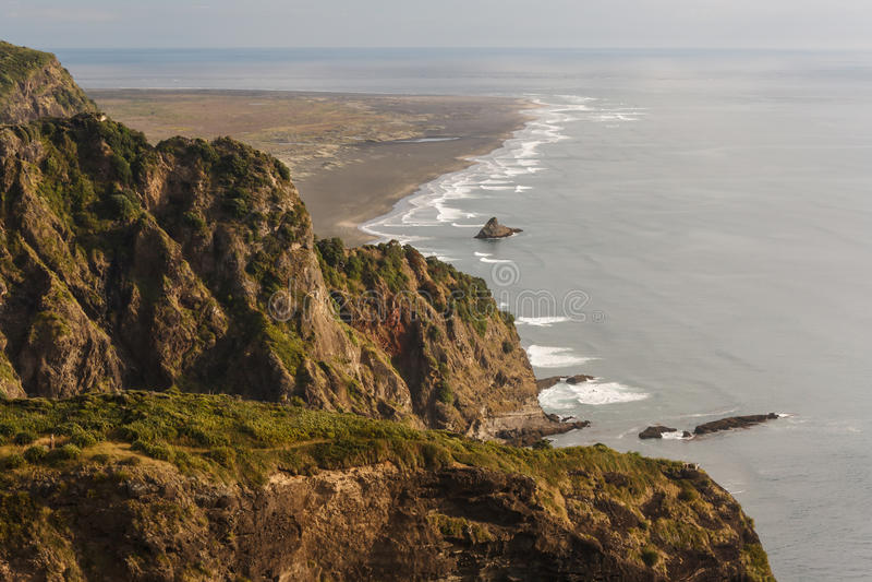 海岸鸟瞰图在Waitakere范围的 免版税库存图片