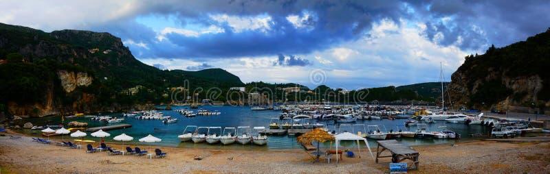 海岸corfu希腊海岛paleokastrica 免版税库存照片