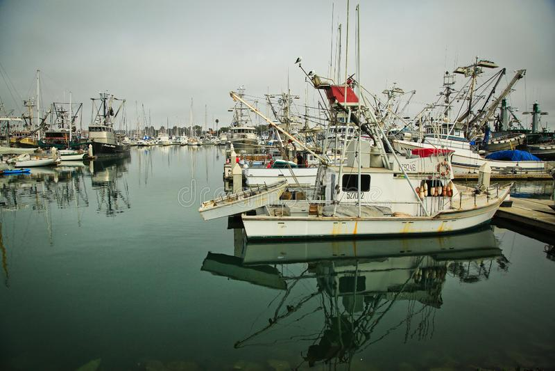 海峡群岛港口小游艇船坞奥克斯纳德加利福尼亚小船 免版税库存照片