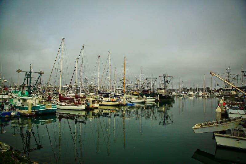海峡群岛港口小游艇船坞奥克斯纳德加利福尼亚小船 免版税库存图片