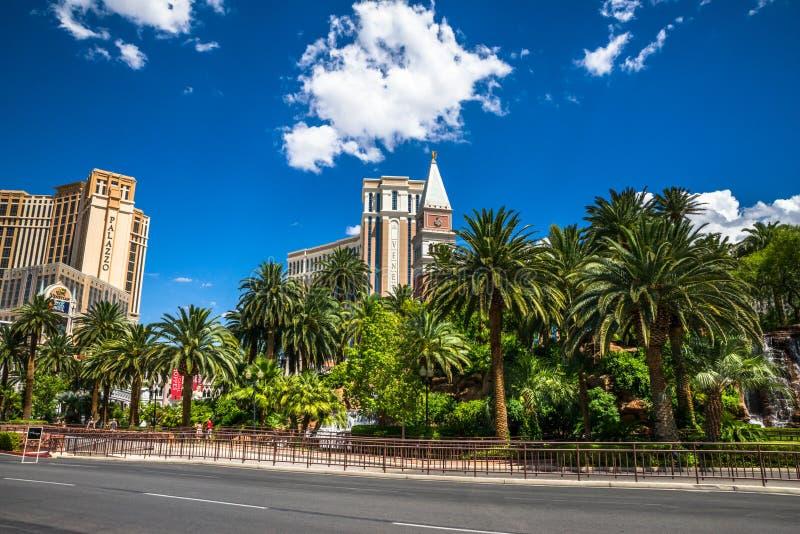 海市蜃楼旅馆和赌博娱乐场出租汽车拾起区域 免版税库存照片